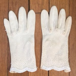 Accessories - Vintage hand-beaded gloves